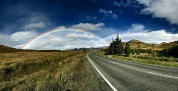 Трасса горы степь радуга ёлки