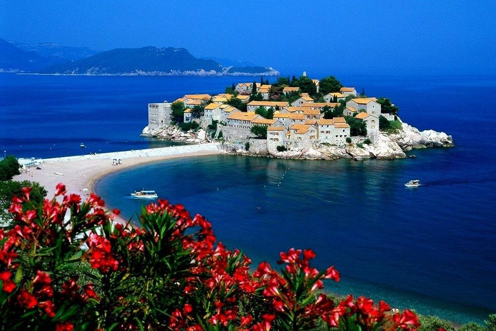 Страховка для визы в Черногорию